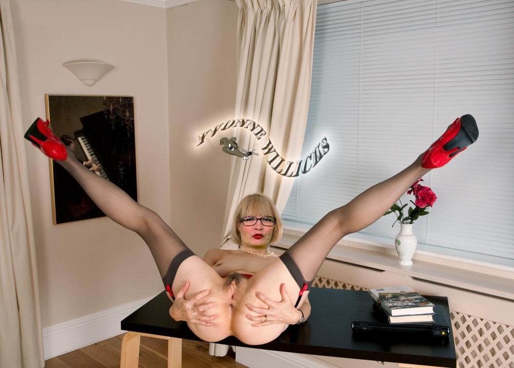 Ивонн Вилликс голая. Фото - 4