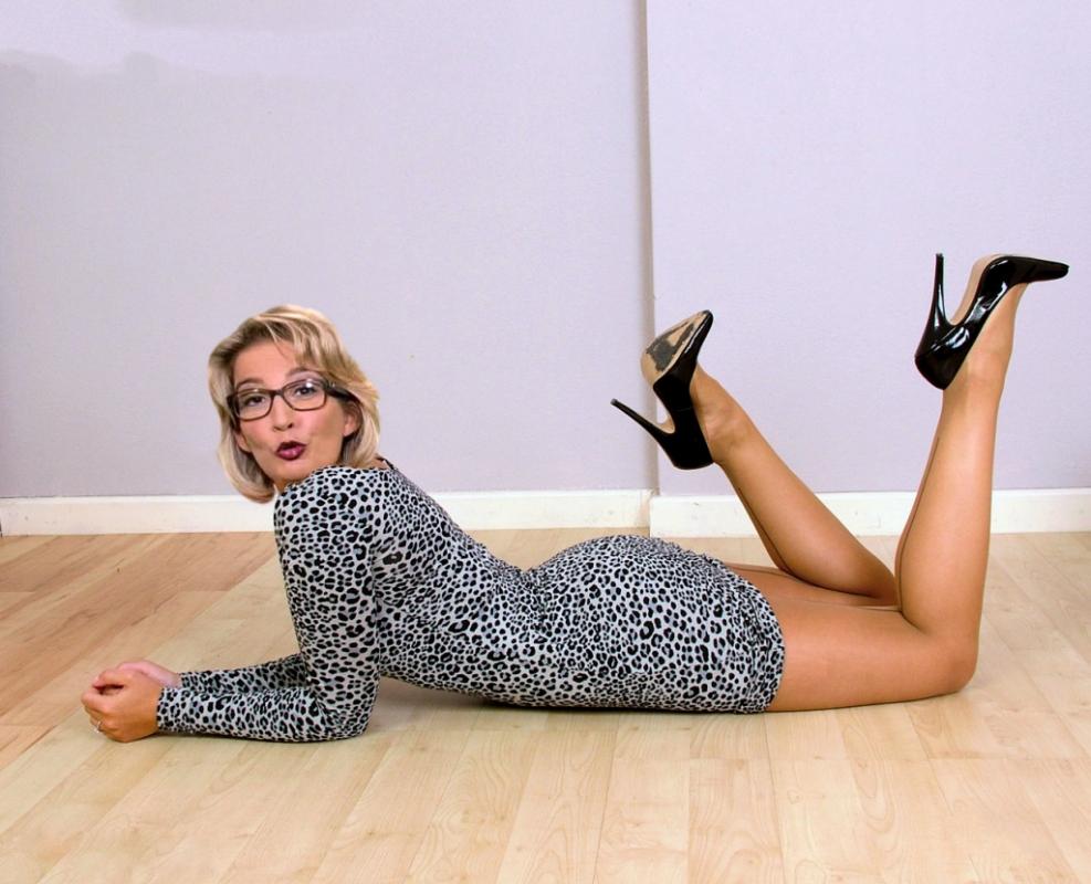 Ивонн Вилликс голая. Фото - 6