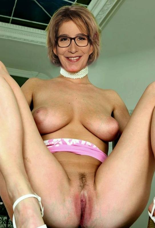 Ивонн Вилликс голая. Фото - 8