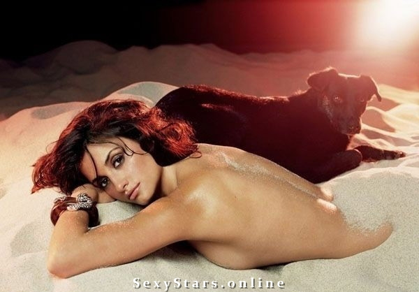 Penélope Cruz nude. Photo - 36