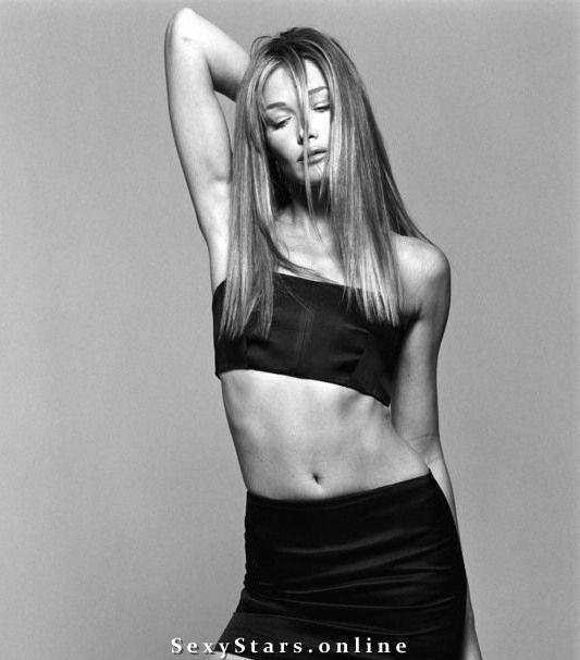 Карла Бруни голая. Фото - 16