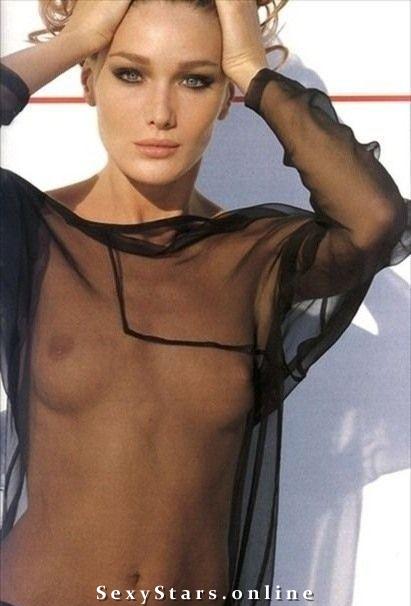 Карла Бруни голая. Фото - 28