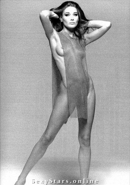 Карла Бруни голая. Фото - 29