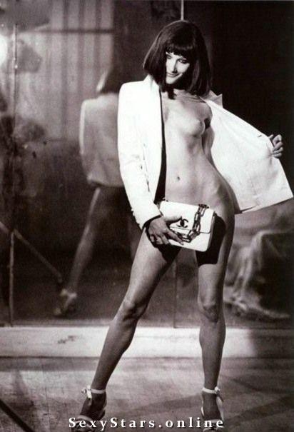 Карла Бруни голая. Фото - 45