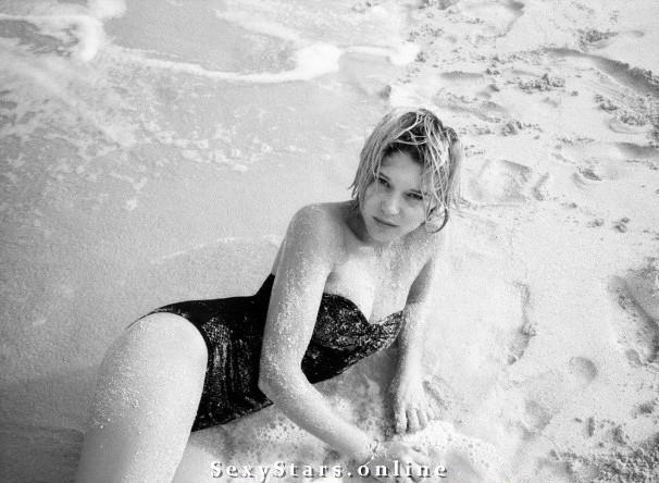 Леа Сейду голая. Фото - 2