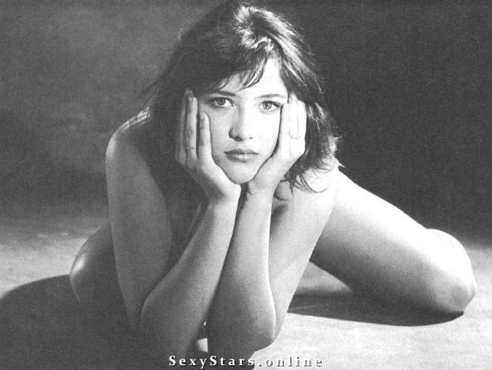 Софи Марсо голая. Фото - 1