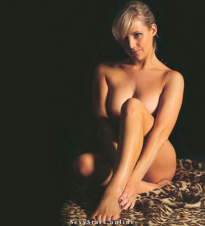 Эби Титмусс голая. Фото - 37
