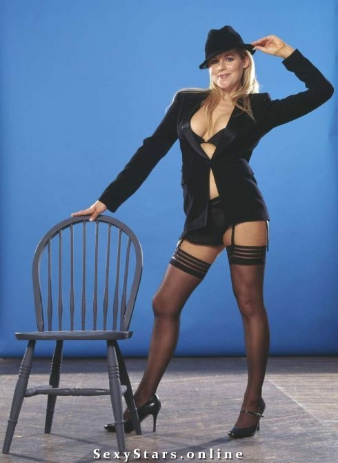 Эби Титмусс голая. Фото - 58