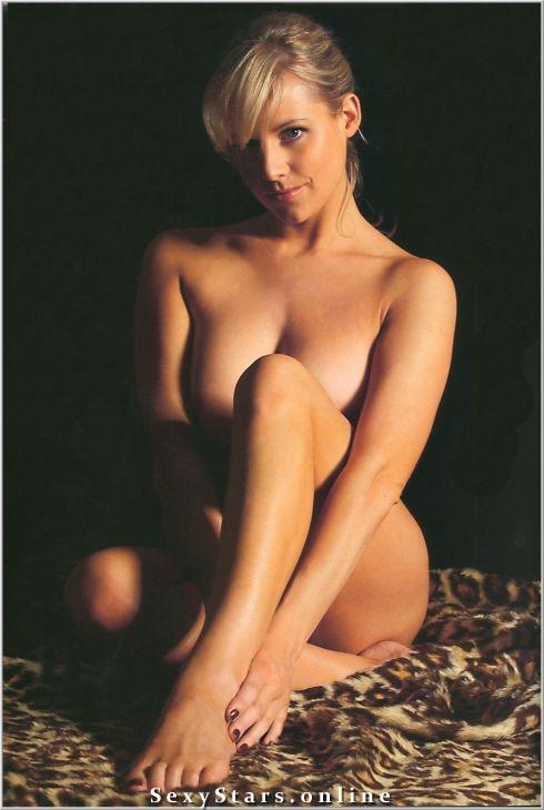 Эби Титмусс голая. Фото - 7