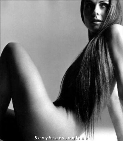 Элизабет Хёрли голая. Фото - 10