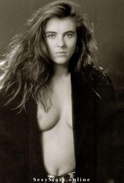 Элизабет Хёрли голая. Фото - 18