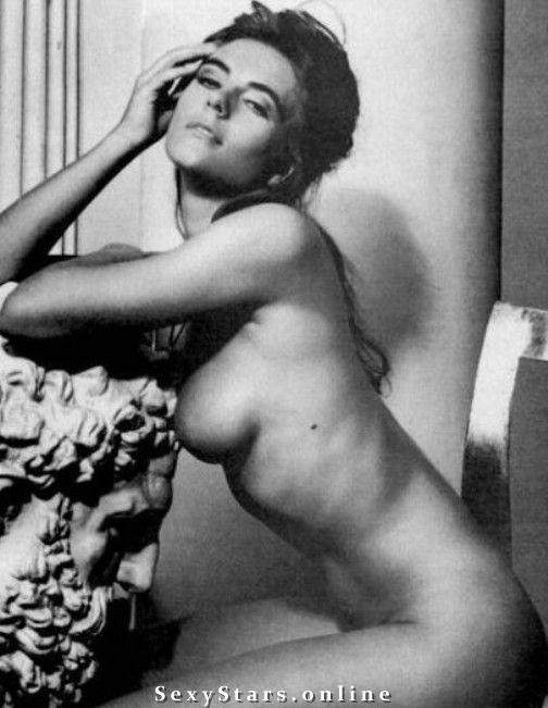 Элизабет Хёрли голая. Фото - 7