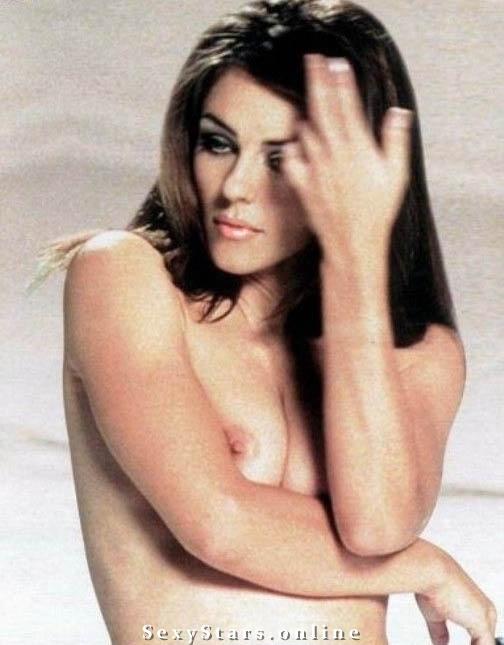Элизабет Хёрли голая. Фото - 8