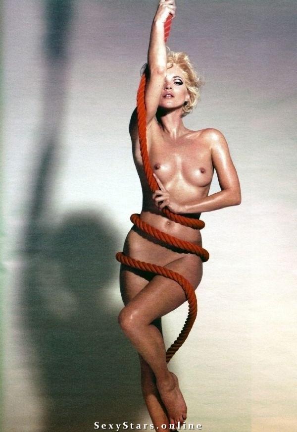 Kate Moss nahá. Fotka - 24