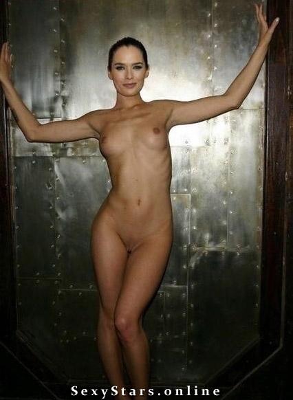 Лина Хиди голая. Фото - 13