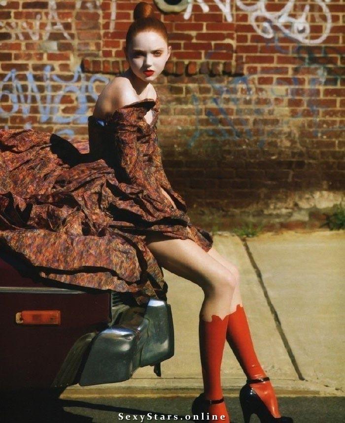Lily Cole Nackt. Fotografie - 1