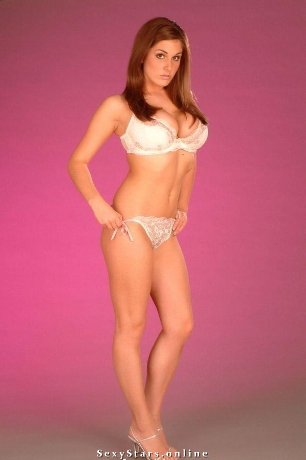 Lucy Pinder nahá. Fotka - 4