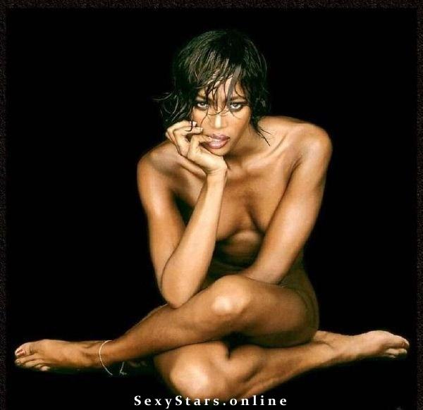 Naomi Campbell nahá. Fotka - 11