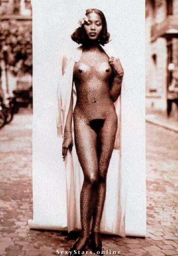 Naomi Campbell nahá. Fotka - 31