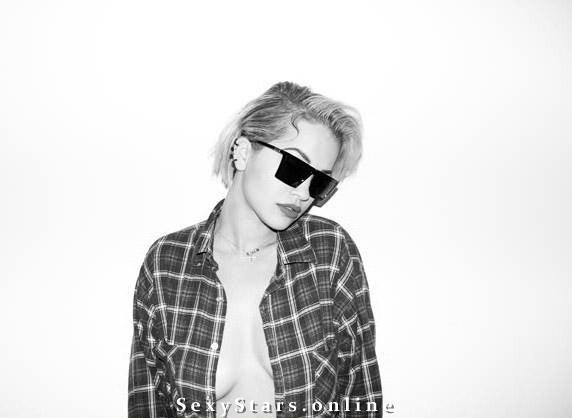 Rita Ora nahá. Fotka - 11