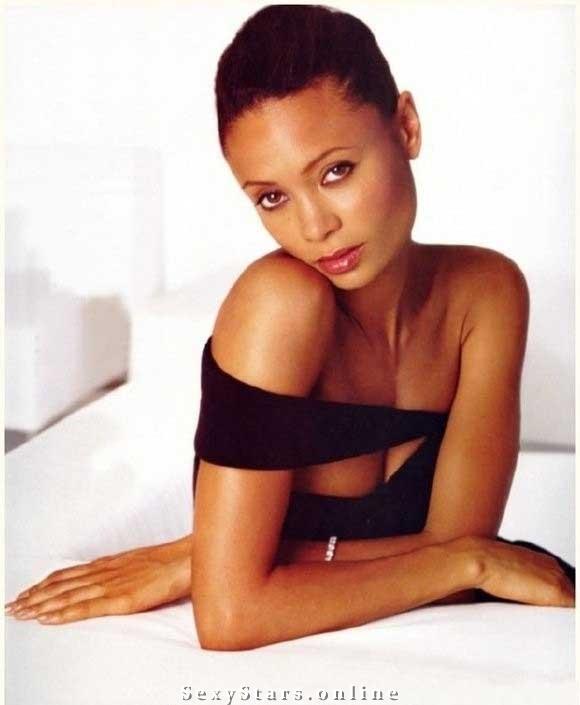 Thandie Newton nahá. Fotka - 5