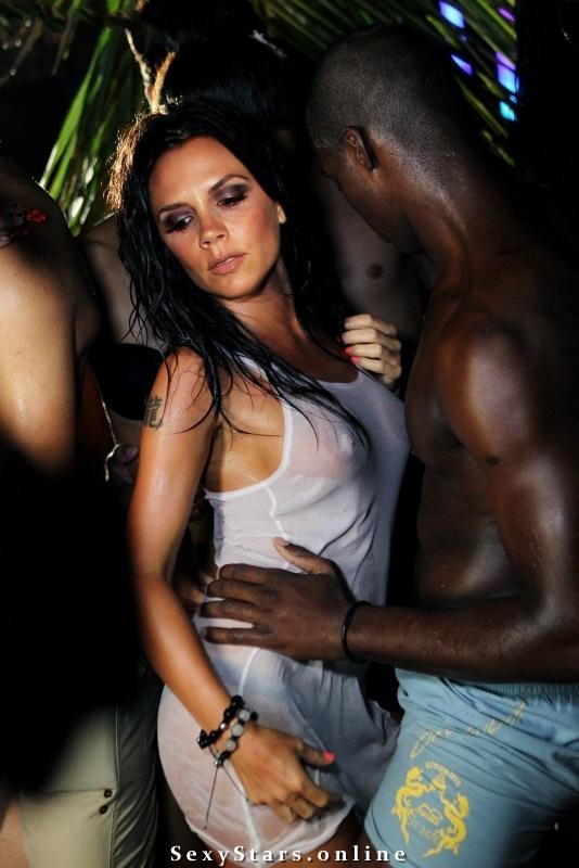 Victoria Beckham nahá. Fotka - 118