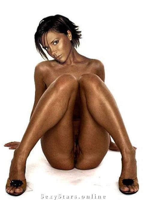 Victoria Beckham nahá. Fotka - 14