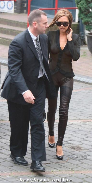 Victoria Beckham nahá. Fotka - 15