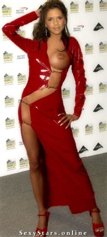 Victoria Beckham nahá. Fotka - 16