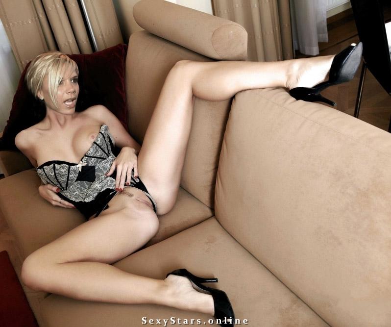 Victoria Beckham nahá. Fotka - 69