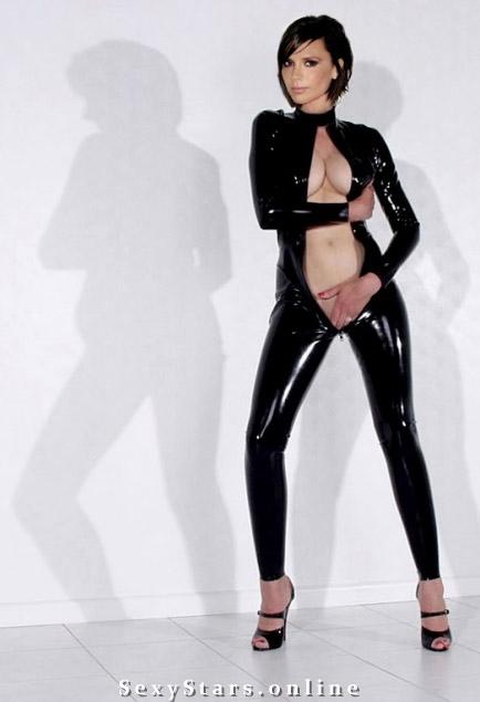 Victoria Beckham nahá. Fotka - 87