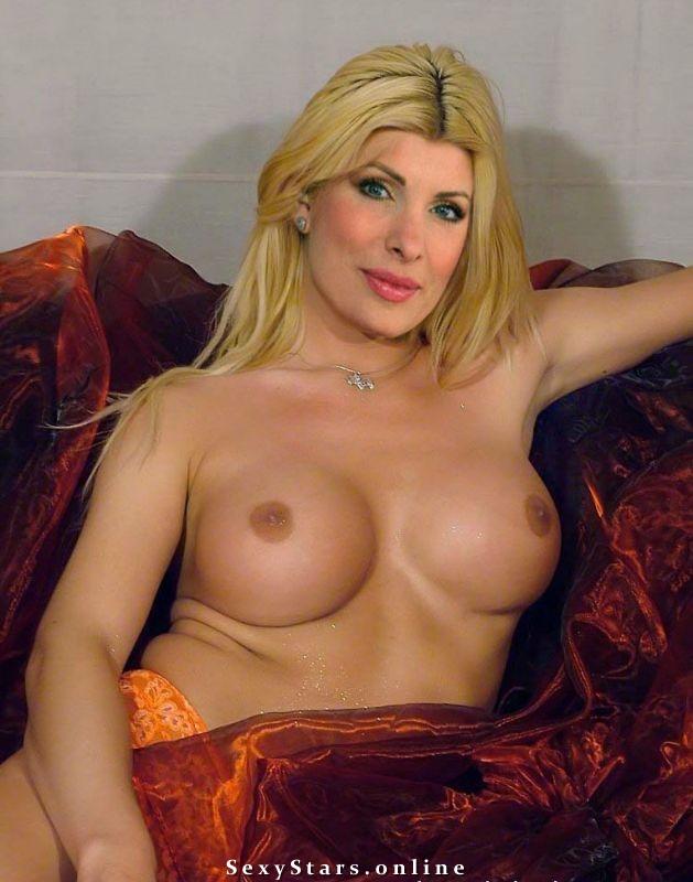 Елени Менегаки голая. Фото - 30