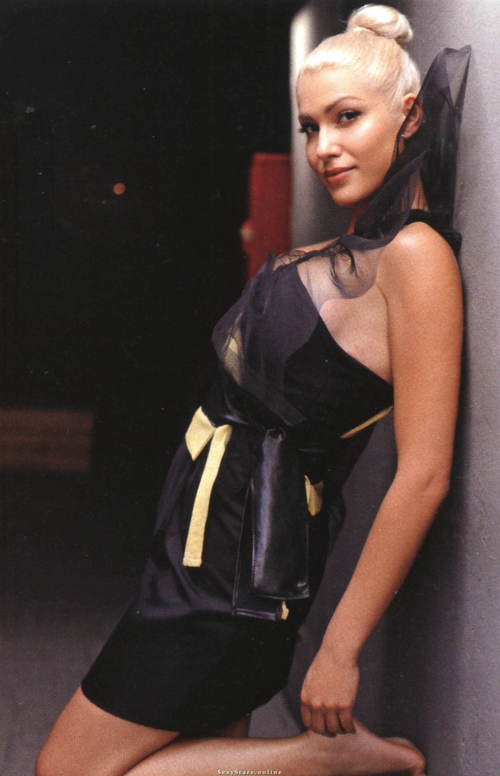 Клелия Ренеси голая. Фото - 11