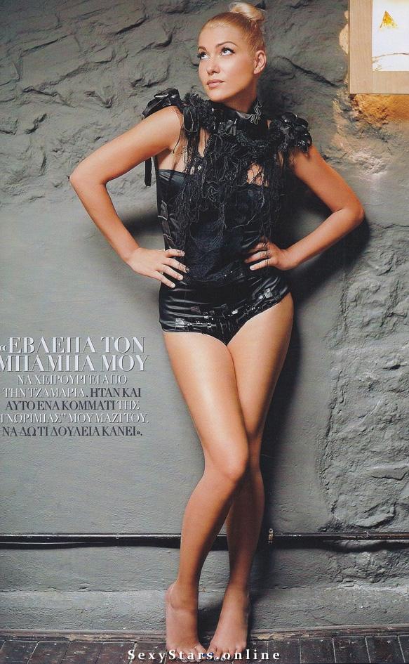 Клелия Ренеси голая. Фото - 4
