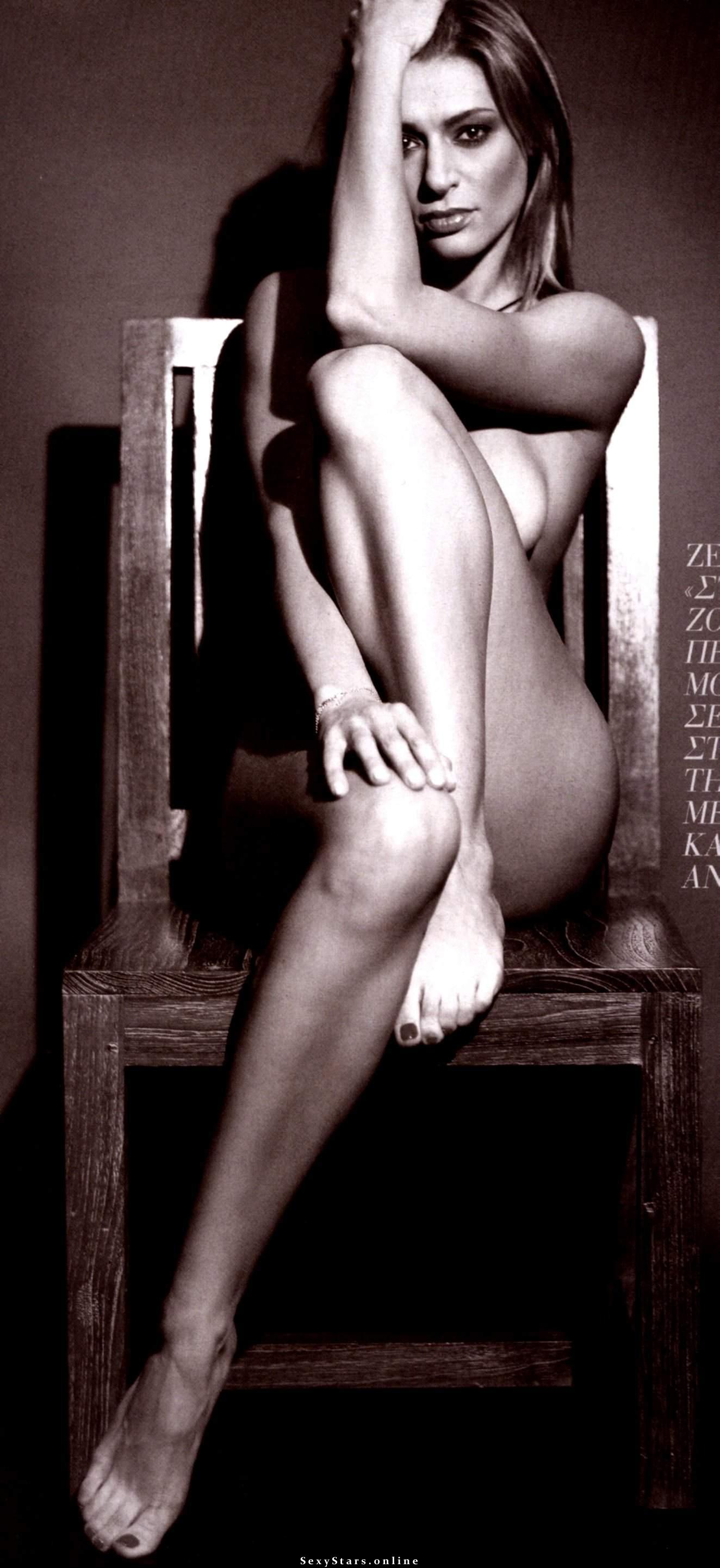 Зета Дука голая. Фото - 4