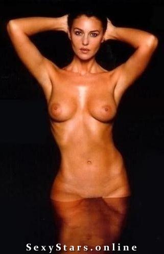 Моника Беллуччи голая. Фото - 3