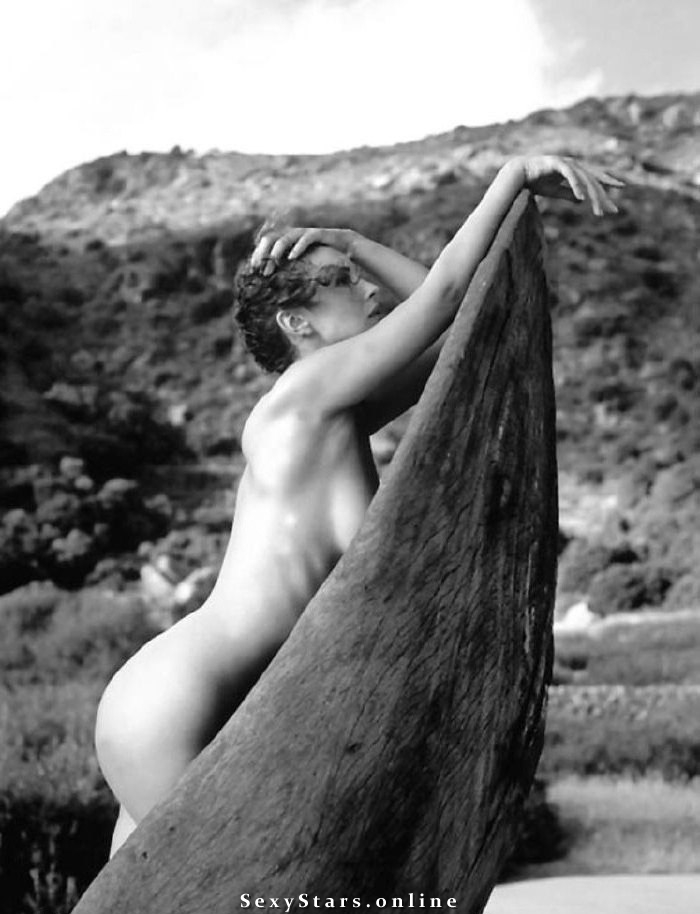 Моника Беллуччи голая. Фото - 33
