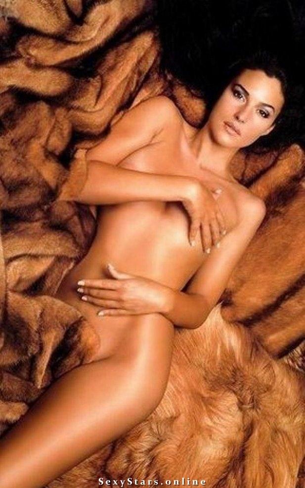 Моника Беллуччи голая. Фото - 39