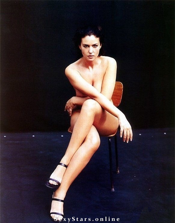 Моника Беллуччи голая. Фото - 43