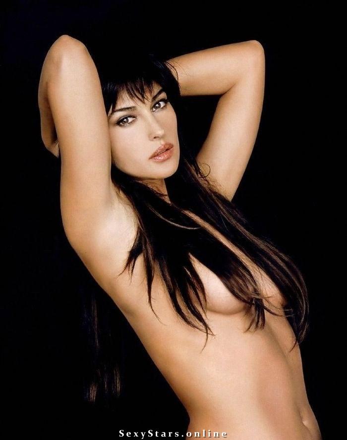 Моника Беллуччи голая. Фото - 54