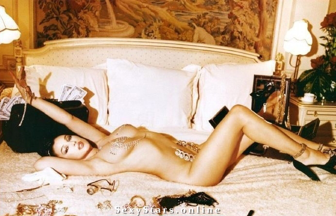 Моника Беллуччи голая. Фото - 71