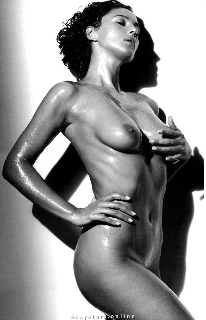 Моника Беллуччи голая. Фото - 73