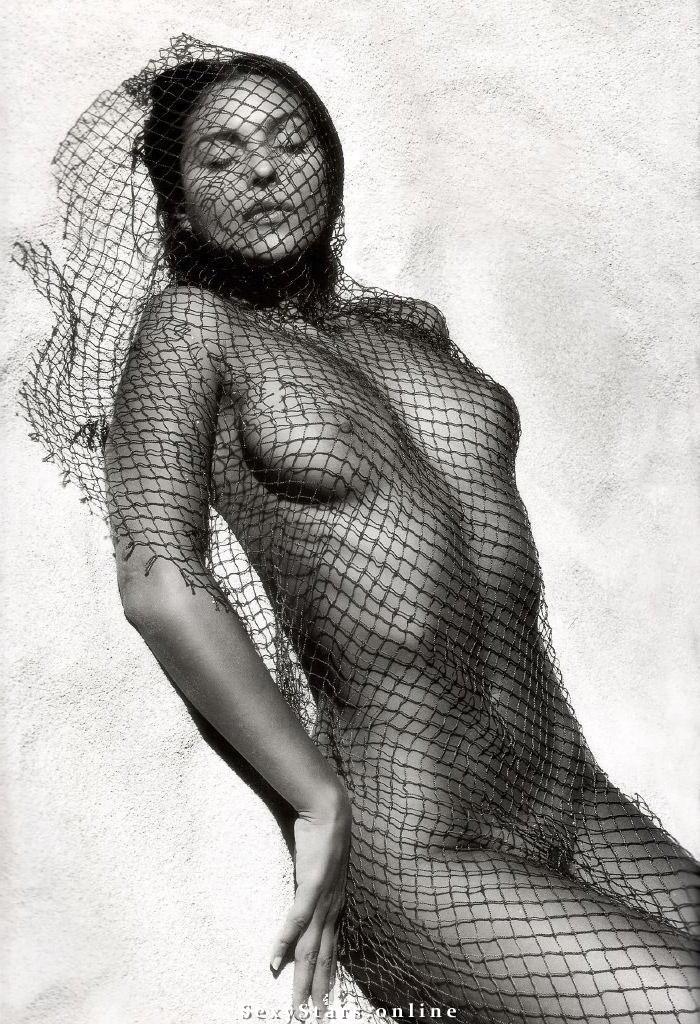 Моника Беллуччи голая. Фото - 77