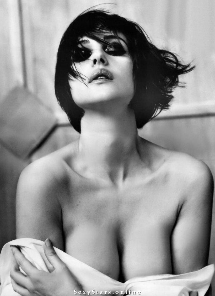 Моника Беллуччи голая. Фото - 78
