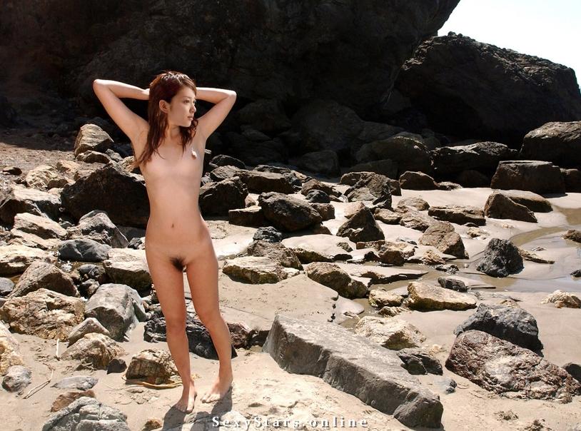 Эми Такэи голая. Фото - 2