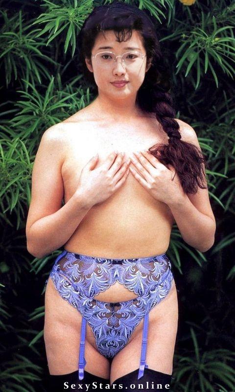 Момоэ Ямагути голая. Фото - 1