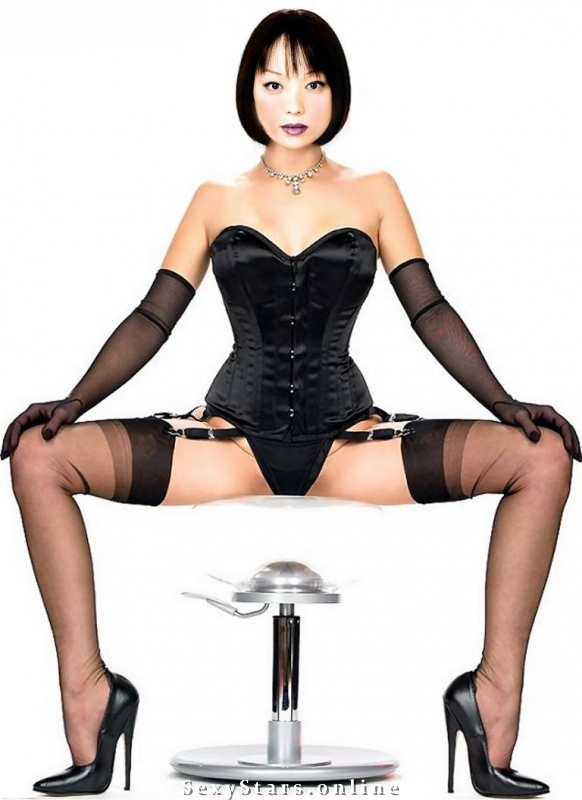 Наоко Мори голая. Фото - 1