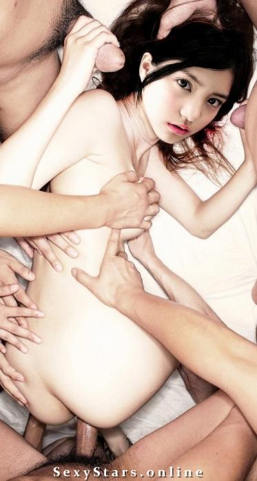 Умика Кавасима голая. Фото - 3