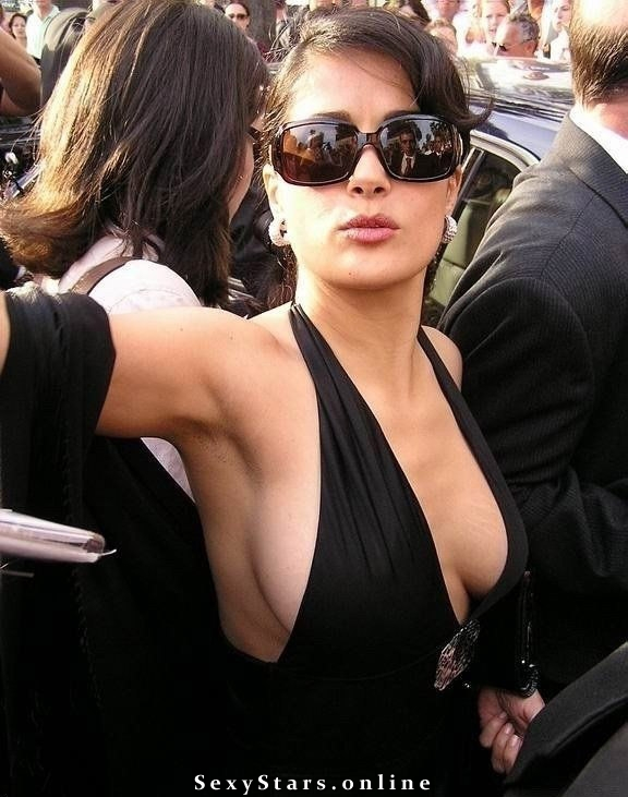 Salma Hayek nude. Photo - 3