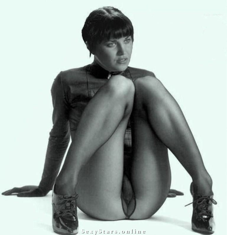 Lucy Lawless nude. Photo - 14